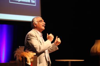Rihyad Al Baldawi, överläkare, specialist i psykiatri och VD Orienthälsan